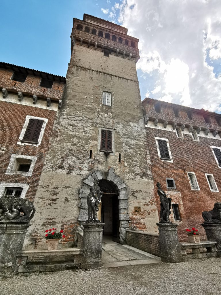 Il castello di Chignolo Po, la torre