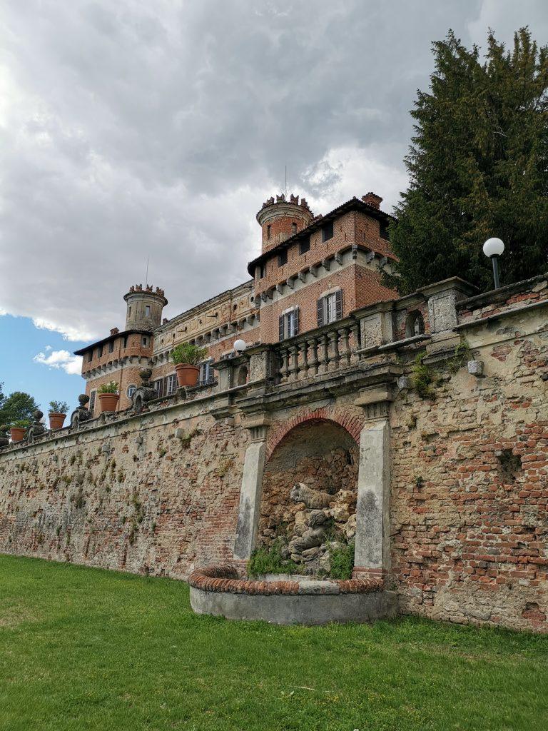 Il castello di Chignolo Po, fronte meridionale