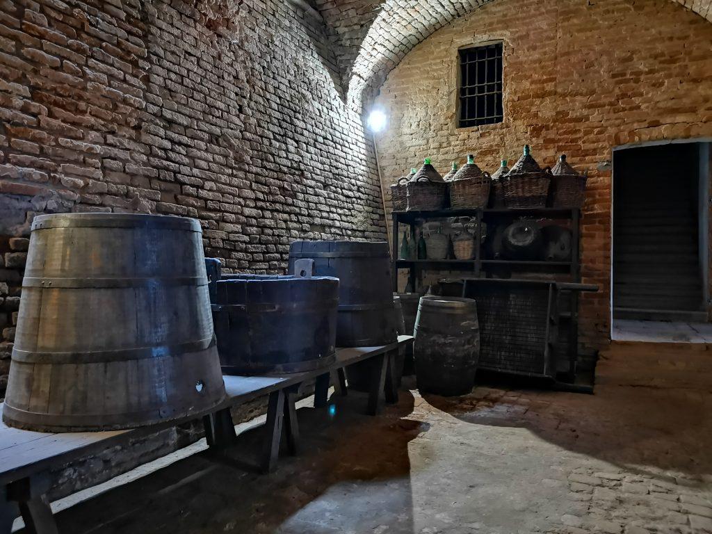 Il castello di Chignolo Po, la cantina